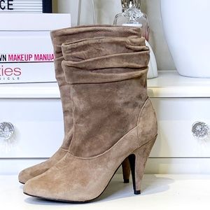Rocket Dog Tan Suede Slouchy Boot Size 7